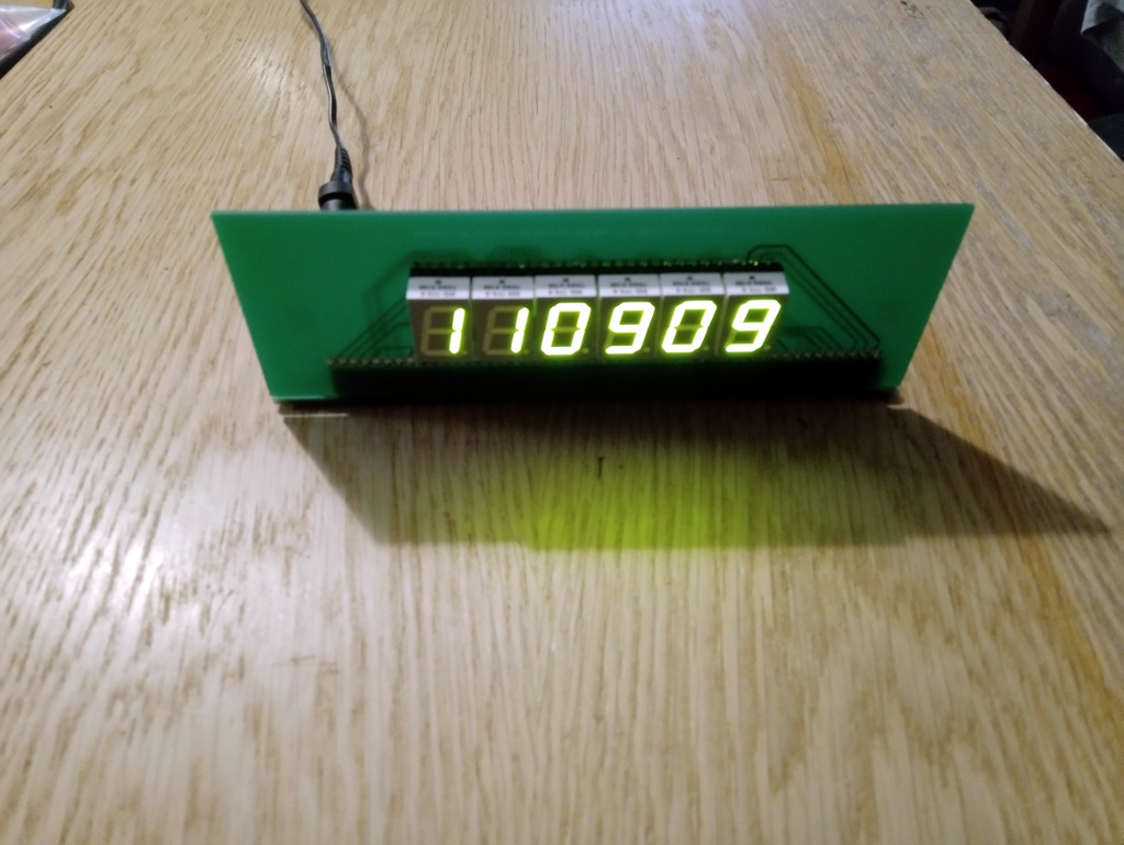 LED clock with CMOS logic